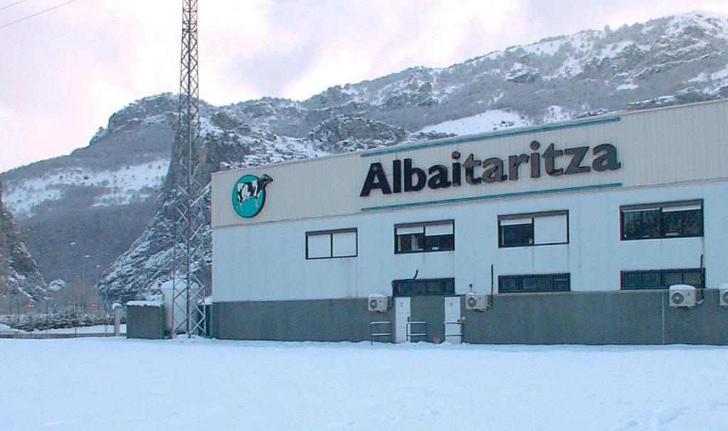 Instalaciones de Albaitaritza en Navarra. Edificio principal